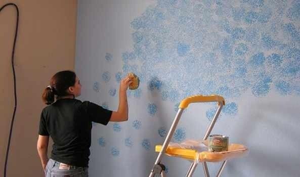 Decorative Painting Techniques : How to Sponge Paint Walls