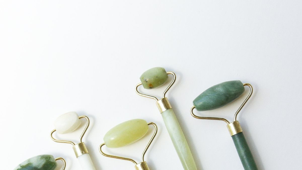 What is a Jade roller?