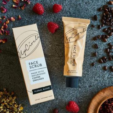 UpCircle Coffee Scrub προσώπου Floral Blend – Για ευαίσθητο δέρμα 100ml